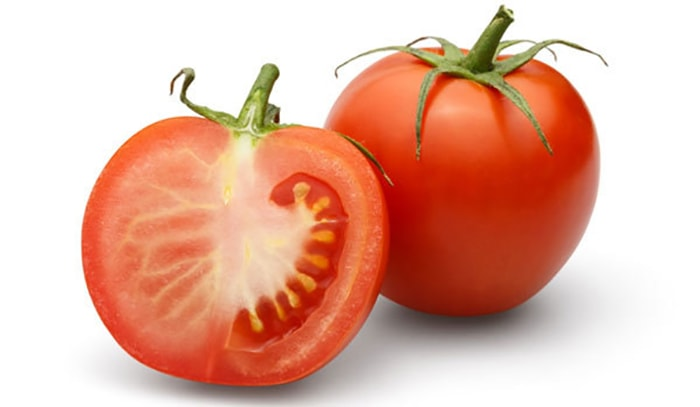 tomato-hair-benefits1-min